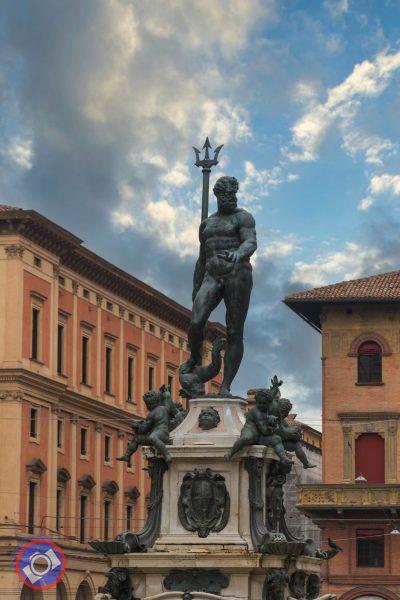 Statue of King Neptune in Piazza Maggiori, Bologna (©simon@myeclecticimages.com)